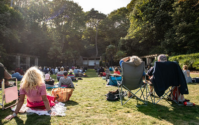 Eddie Izzard At The Italian Gardens Eastbourne