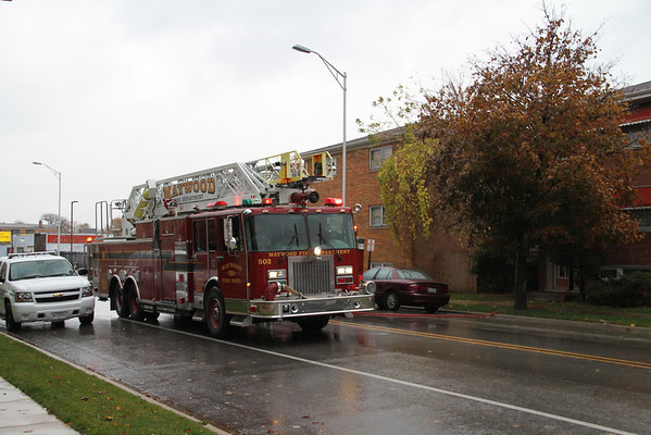 MAYWOOD, IL 1406 MADISON ST. APPLIANCE FIRE IN AN APPARTMENT (11-03-2011)