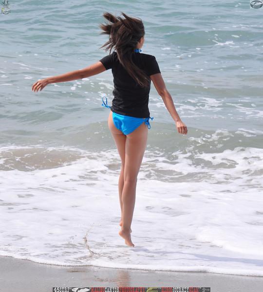 zuma beach matador beach beautiful swimsuit model malibu 45surf 008,.kl,.,..jpg
