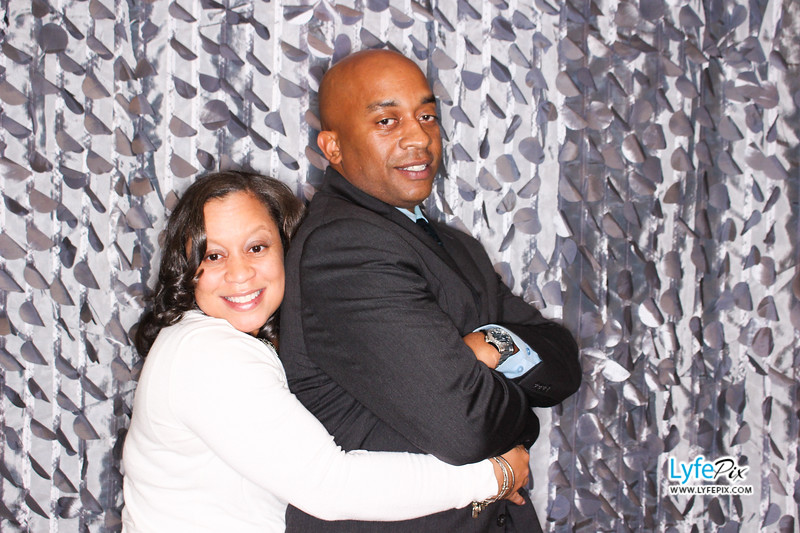 red-hawk-2017-holiday-party-beltsville-maryland-sheraton-photo-booth-0220.jpg
