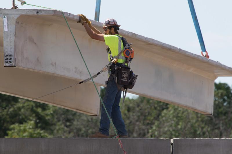 32 tons precast roof member
