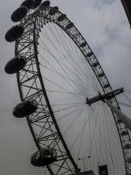 3 - London Eye - Closeup.jpg