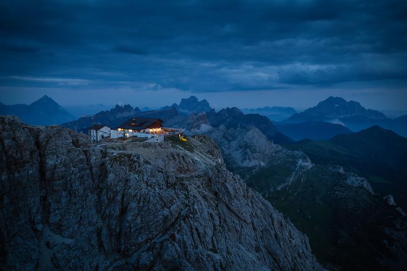 Italy Dolomites Lagazuoi at Night.jpg