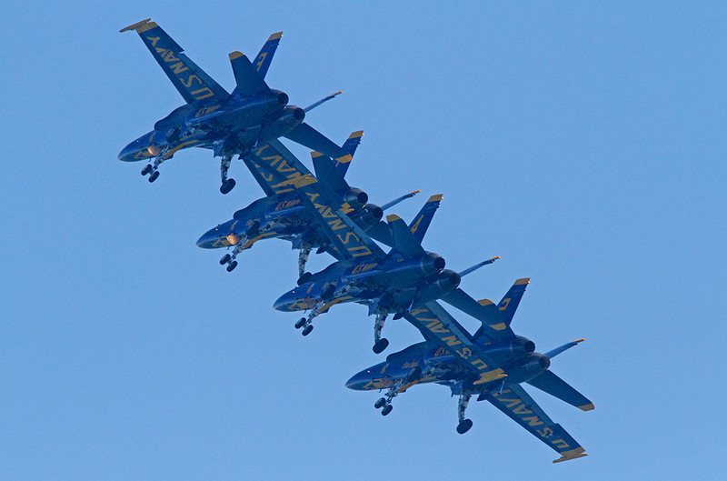 WB~blueangelsformation1280.jpg