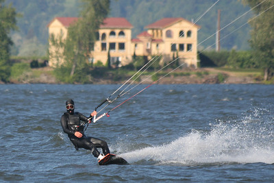 Kiteboarding in Columbia City