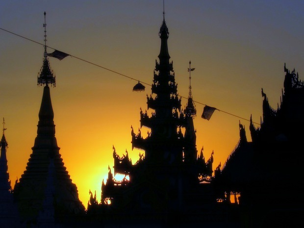 Myanmar Photos: Shwedagon Pagoda in Yangon