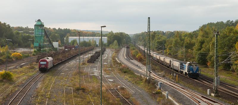 Rurtalbahn V104 leads the lead ore loads 48511 (Antwerpen/B - Stolberg) into Stolberg.