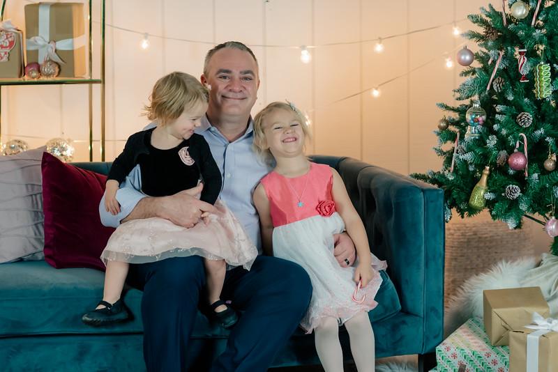 Therrien Family December 2020-15.jpg