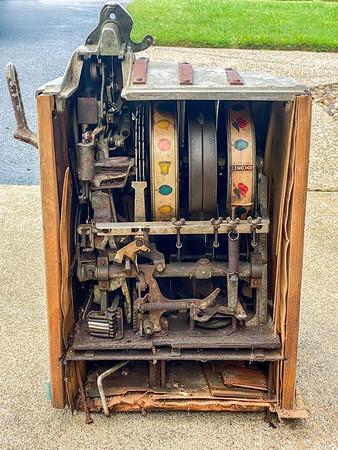 Pace 25 cent Slot Machine