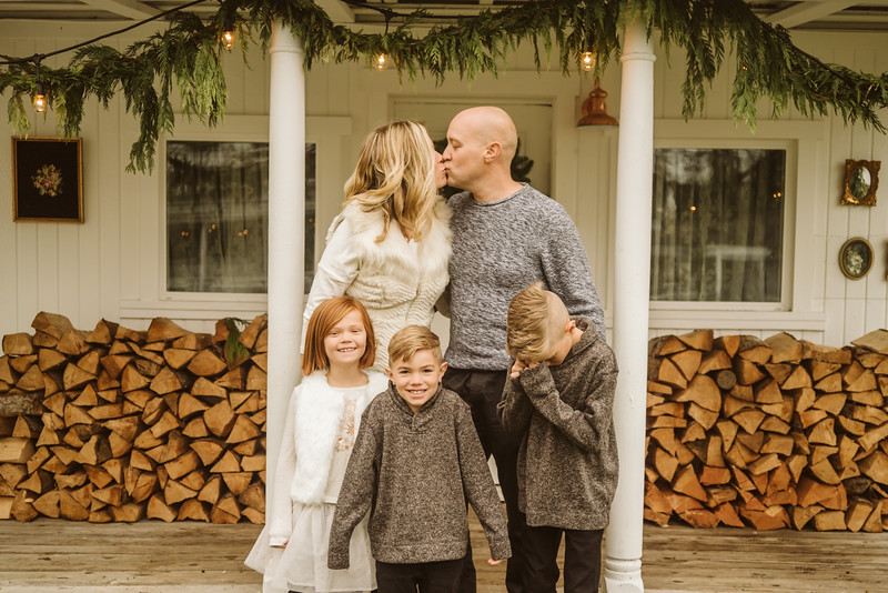 Schmidt Christmas Mini Session 2018-15.jpg