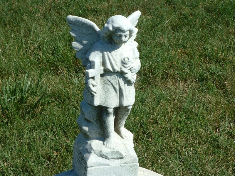 Angel on a Child's Grave_112847891_o.jpg