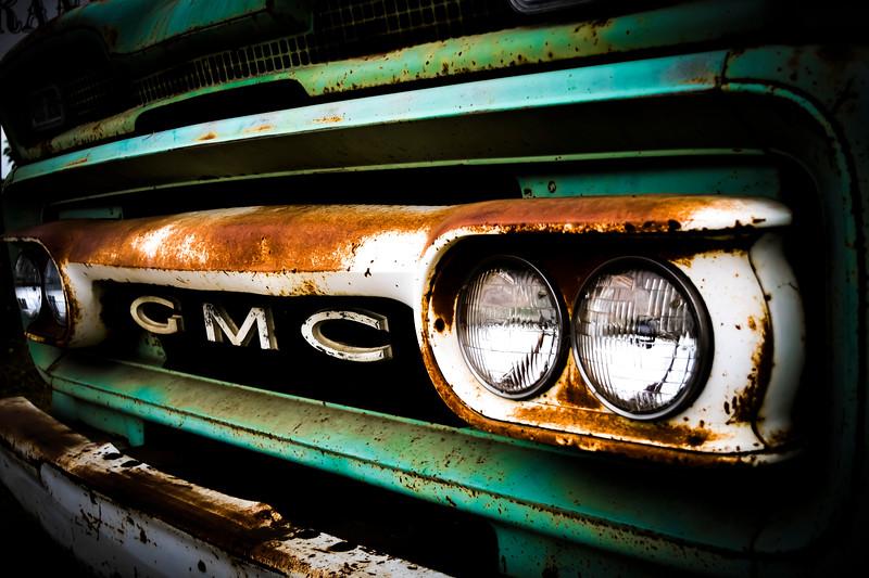 Old GMC Grill-1.jpg