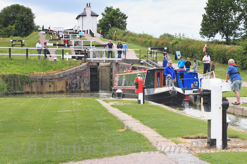 Foxton Locks - boaters and 'helpers'