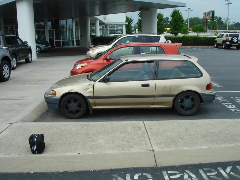 Size comparison, '08 Scion xD vs my Civic. Also very similar