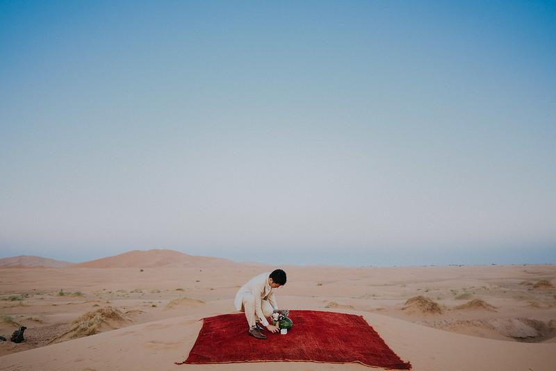 Tu-Nguyen-Destination-Wedding-Photographer-Morocco-Videographer-Sahara-Elopement-442.jpg