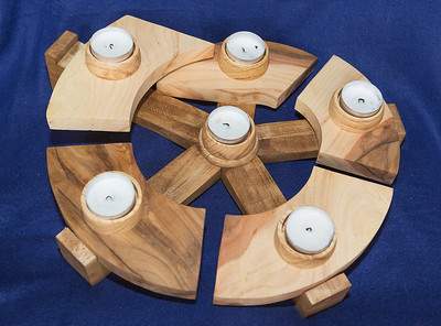Unique: Circular Tea Light Center Piece