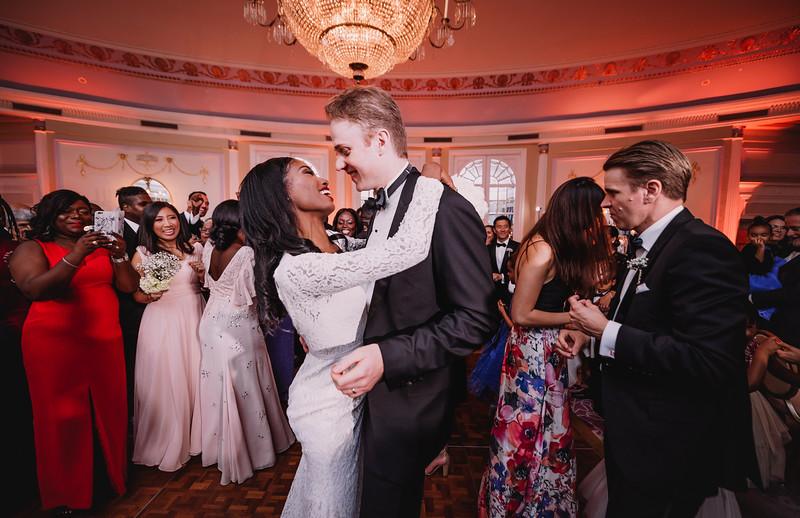 Montreal Wedding Photographer | Wedding Photography + Videography | Ritz Carlton Montreal | Lindsay Muciy Photography Video |2018_780.jpg