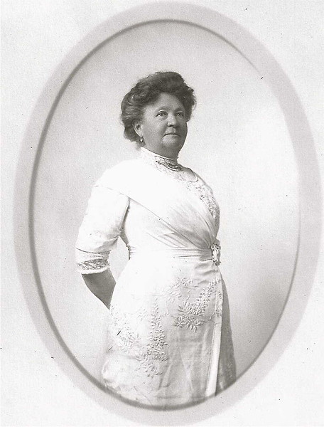Mary Ellen Pillsbury Hill, wife of Hosea Emmons Hill.