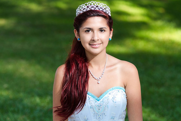 Jessica Diaz Sweet 16 Portraits