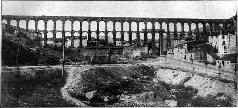 800px-Aqueduct-segovia[1].jpg