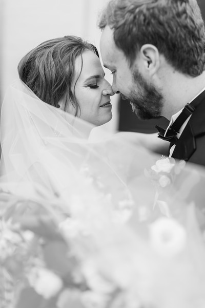 439_Ryan+Hannah_WeddingBW.jpg