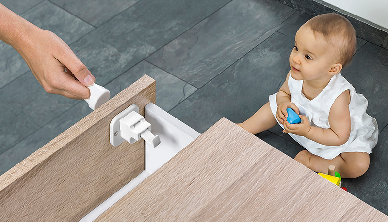 Fred_Home_Safety_Invisible_Magnet_Lock_Lifestyle_white_baby.jpg