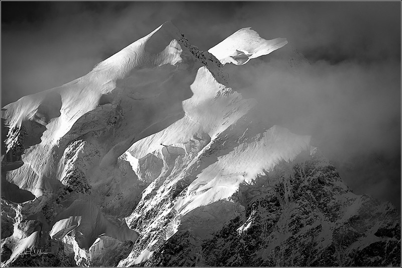 JZ7_4664 Mt Cook Clouds B&W LPr3W.jpg