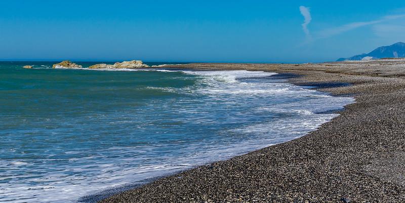 Millionen geschiffener Steine am Strand bei Ward