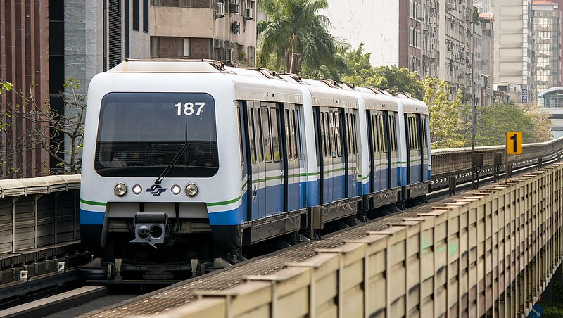 Bombardier_INNOVIA_APM_256,_Taipei_Metro_20210418.jpg
