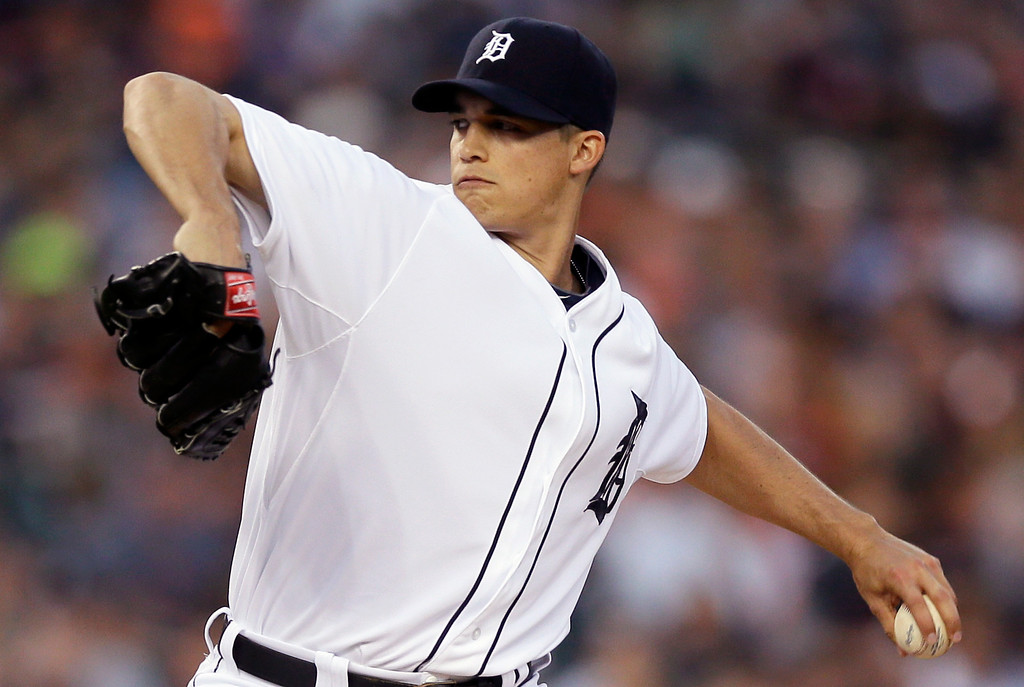 . Detroit Tigers starting pitcher Kyle Lobstein throws during the first inning of a baseball game against the Minnesota Twins in Detroit, Saturday, Sept. 27, 2014. (AP Photo/Carlos Osorio)