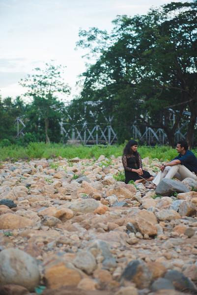LightStory-Poorna+Vibushan-CoupleShoot-190.jpg