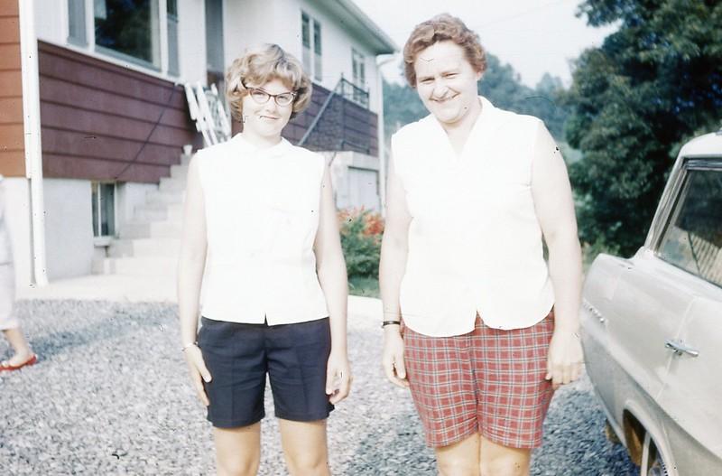 1964 - Margaret & Marilyn.jpg