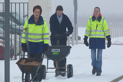 6th Feb 2012......Snow clearing