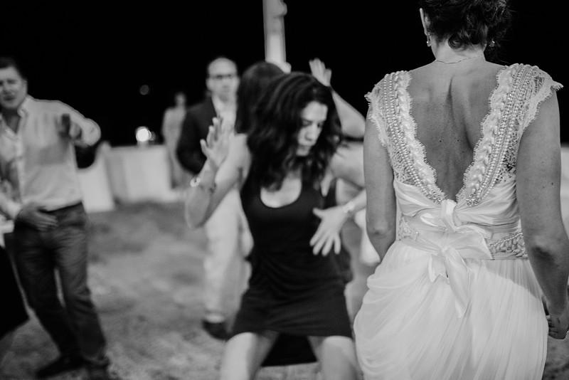 Tu-Nguyen-Wedding-Photography-Hochzeitsfotograf-Destination-Hydra-Island-Beach-Greece-Wedding-172.jpg