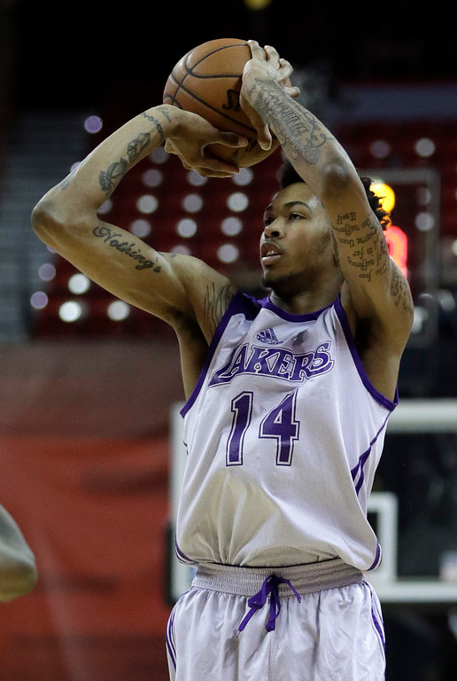 . Los Angeles Lakers\' Brandon Ingram shoots against the Cleveland Cavaliers during the first half of an NBA summer league basketball game, Thursday, July 14, 2016, in Las Vegas. (AP Photo/John Locher)