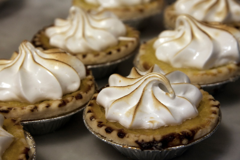 lemon-meringue-tarts_3376035559_o.jpg