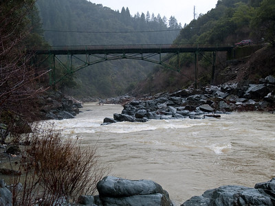 2010.01.19 South Yuba at Edwards Crossing in the rain with E-1