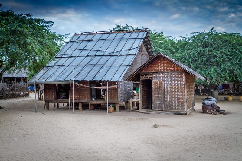 Phwa Saw Village