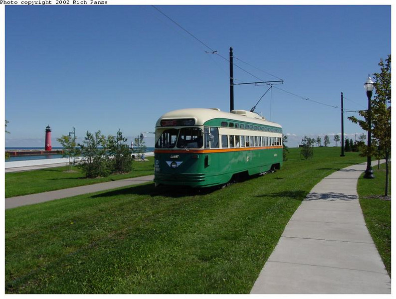 STREETCAR-KENOSHA-AND-TRAIL.jpg