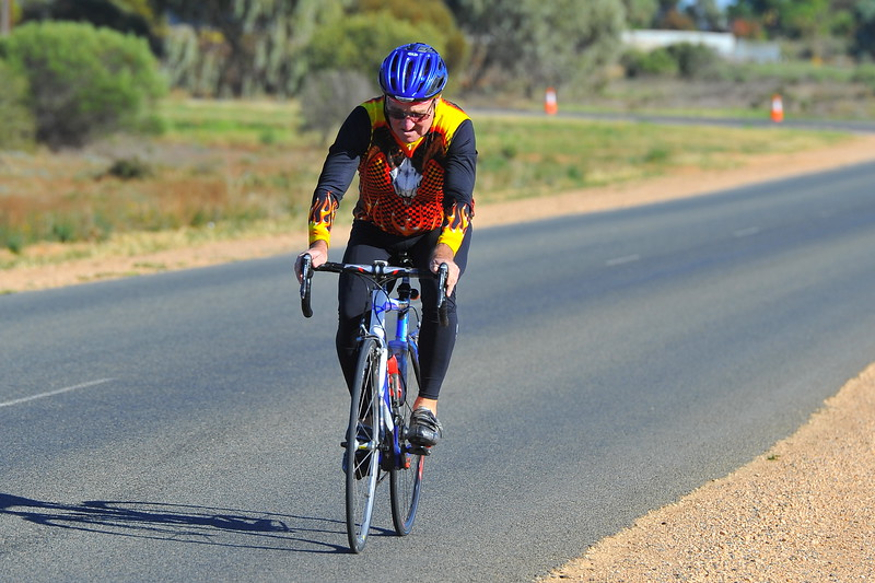 Mildura cyclists race in Renmark