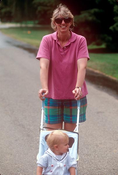 1990-08 Katie Roberts & Daughter.jpg