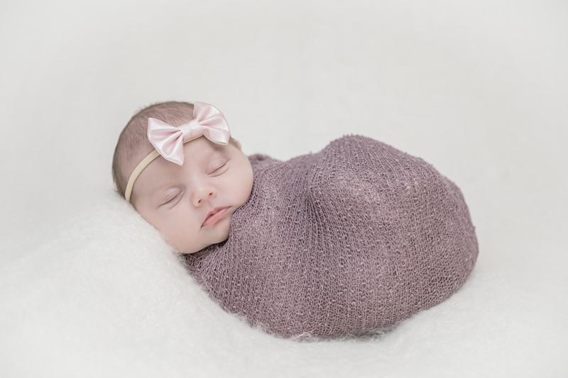 Rockford_newbornphotography_A_009.jpg