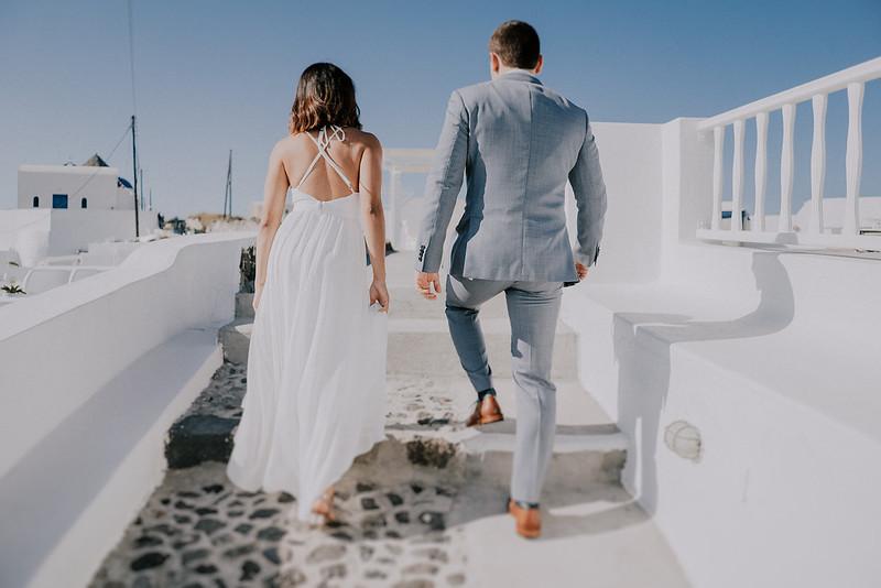 Tu-Nguyen-Destination-Wedding-Photographer-Santorini-Elopement-Alex-Diana-22.jpg