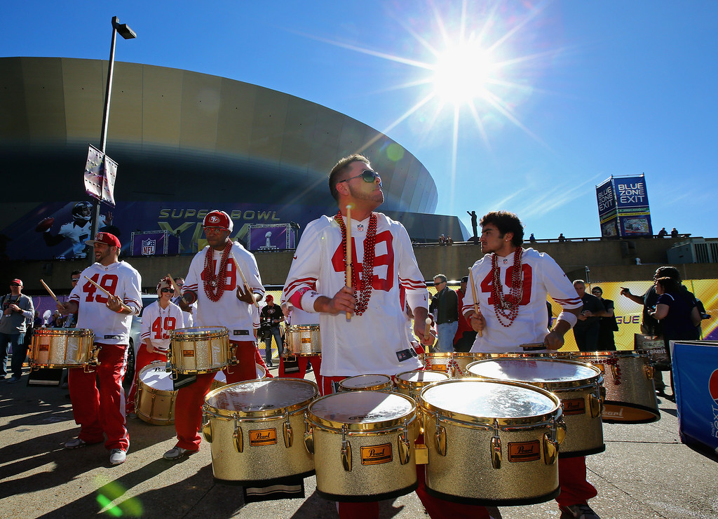 . NEW ORLEANS, LA - FEBRUARY 03: San Francisco 49ers fans perform outside the stadium prior to Super Bowl XLVII against the Baltimore Ravens at the Mercedes-Benz Superdome on February 3, 2013 in New Orleans, Louisiana.  (Photo by Al Bello/Getty Images)