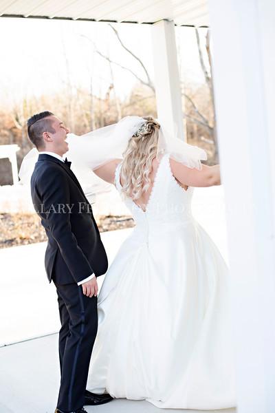 Hillary_Ferguson_Photography_Melinda+Derek_Getting_Ready395.jpg
