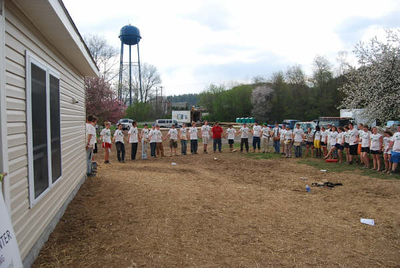 08 04 Circling up to bless Simmons newly completed home  in  Circleville, WV.