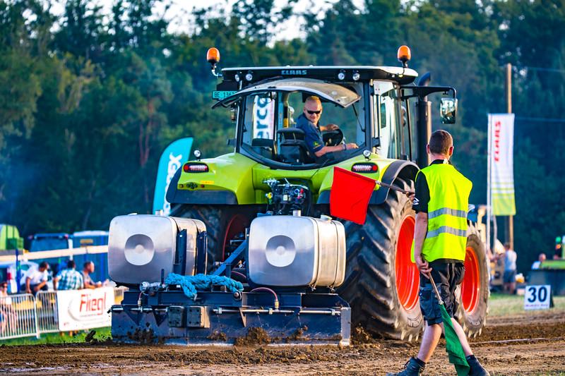Tractor Pulling 2015-01658.jpg