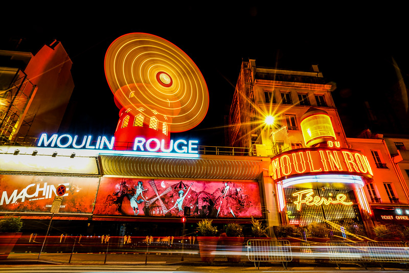 Moulin Rouge glow