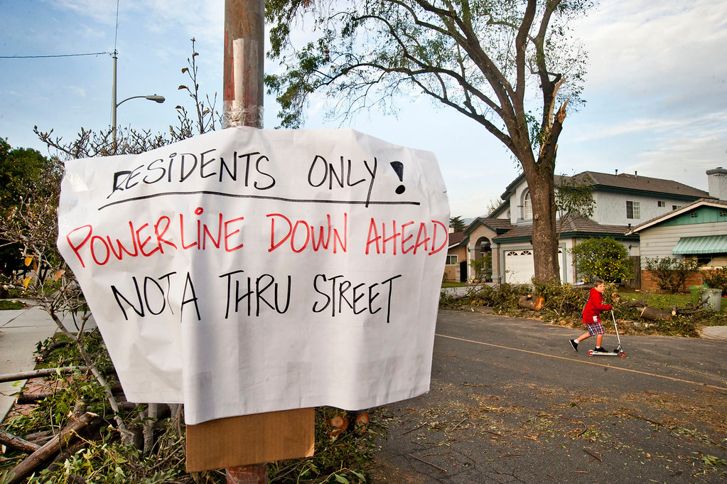 . A warning sign put up by residents in the 5600 block of Golden West Ave. in Temple City on Friday, Dec. 2, 2011. (SGVN/Staff photo by Watchara Phomicinda/SVCity)