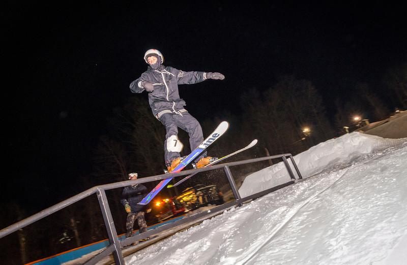 Nighttime-Rail-Jam_Snow-Trails-158.jpg